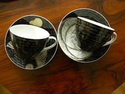 Blacklight Café - cups